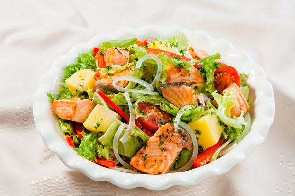 salad bo va ca hoi