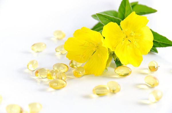 nen hay khong ket hop uong tinh dau hoa anh thao va vitamin e?