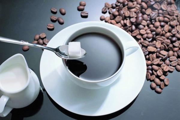 do uong co chua caffeine