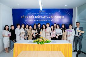 lễ ký kết giám đốc kinh doanh, giám đốc khu vực của Miskafa việt nam